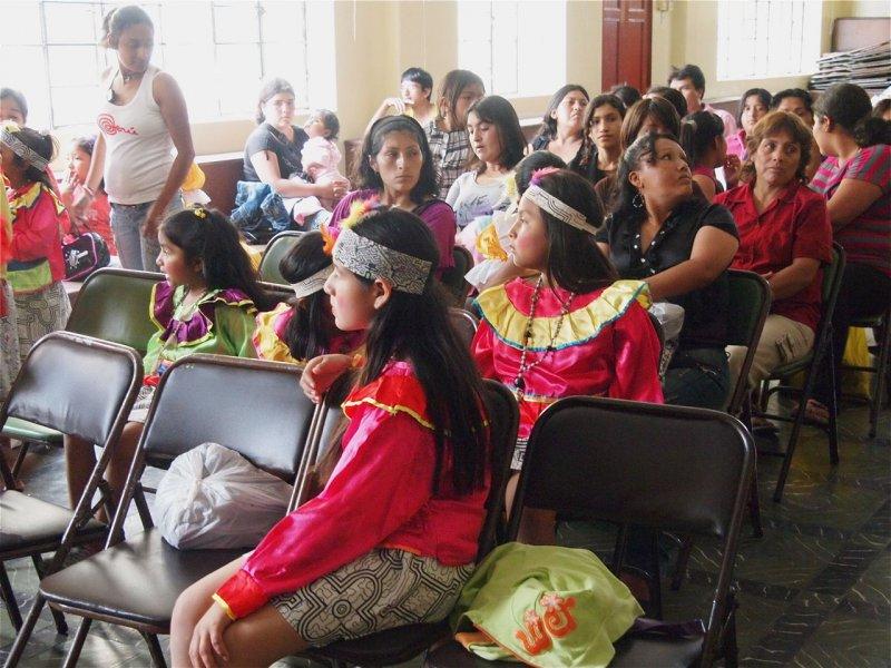 Weihnachten 2011 Publikum bei der Feier